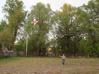 Запускаем воздушный змей в селе Пуховка