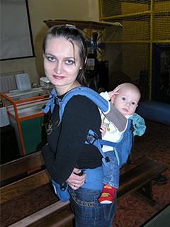 Оксана носила Луку в новом рюкзаке-переноске. Говорит очень удобно и Луке нравится.